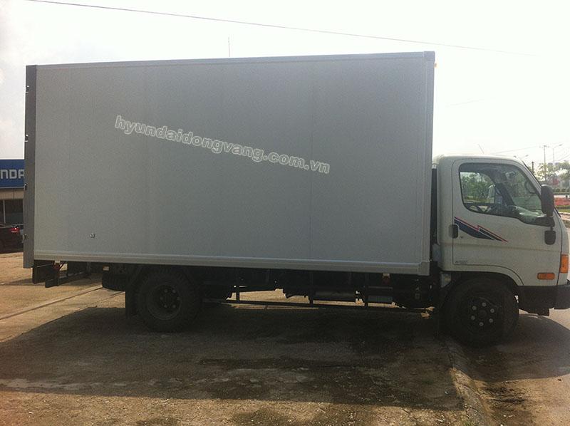 hyundai hd700 6,5 tấn thùng kín