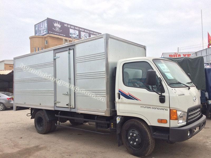 xe tải hyundai hd700 6,5 tấn thùng kín