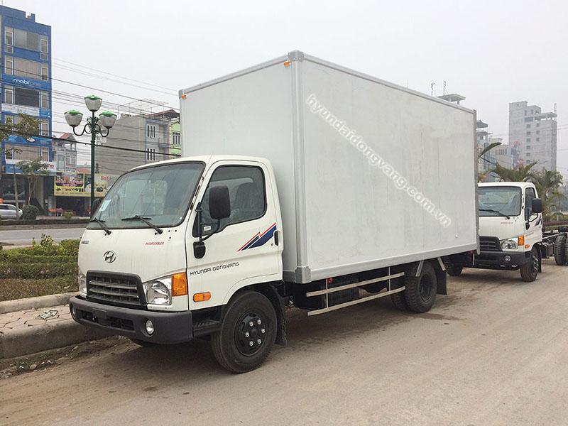 xe tải hyundai hd700 đồng vàng thùng kín panel